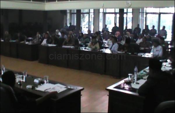 Massa Desak DPRD Dukung Nama Ciamis Kembali Manjadi Galuh