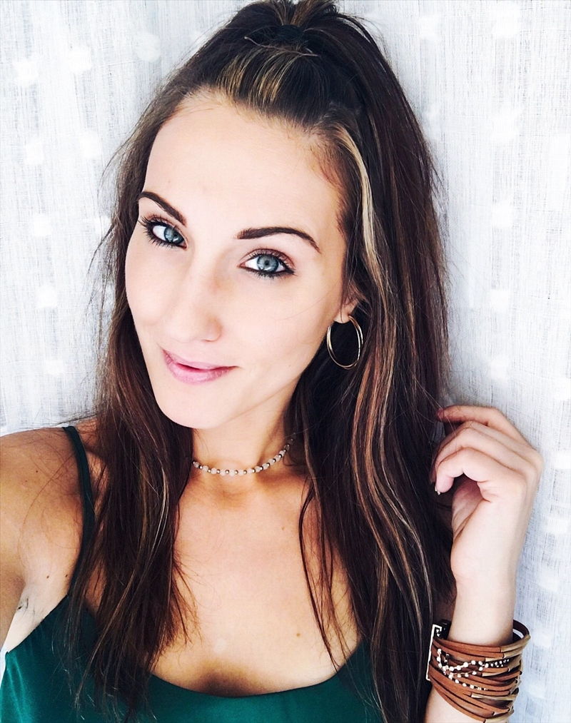 best natural makeup for blue green eyes