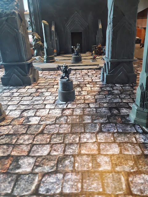 Les vils gobelins devront traverser les halls majestueux des Nains