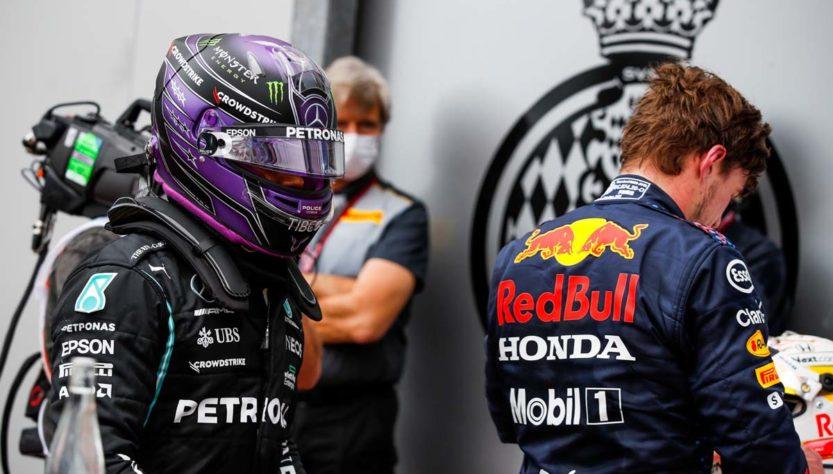 A relação de Max Verstappen com Lewis Hamilton 'boa e normal'