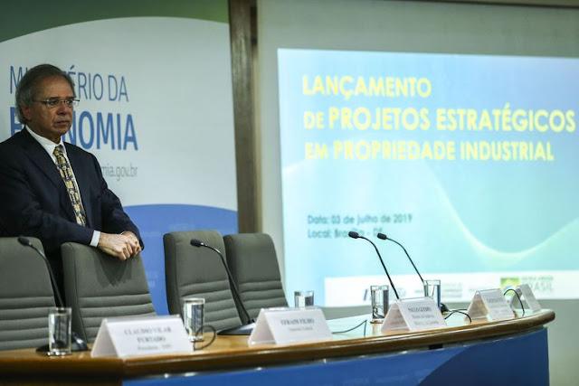 Reforma da Previdência passa na Câmara antes do recesso, diz Guedes