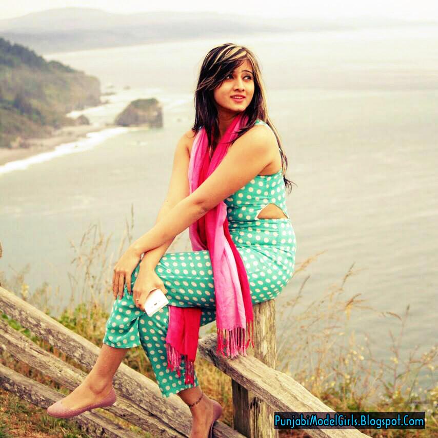 Punjabi Cute Girls Pics