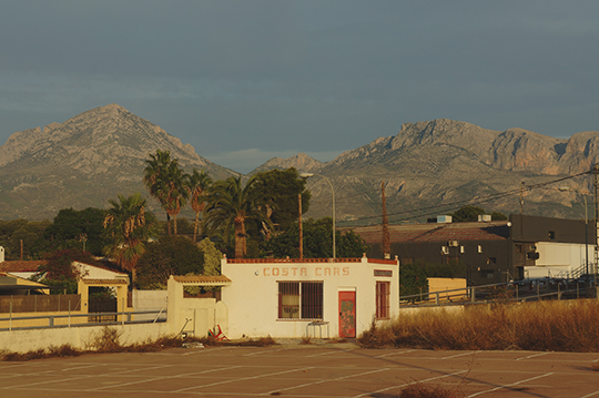 urban photography, urban scene, Spain, travel, traveling, landscape, mountains, palm trees, Sam Freek