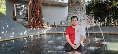 kolam terapi air panas