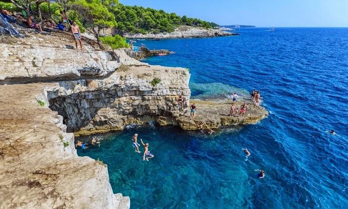 Védettségi igazolvány nélkül, személyivel utazhatunk Horvátországba