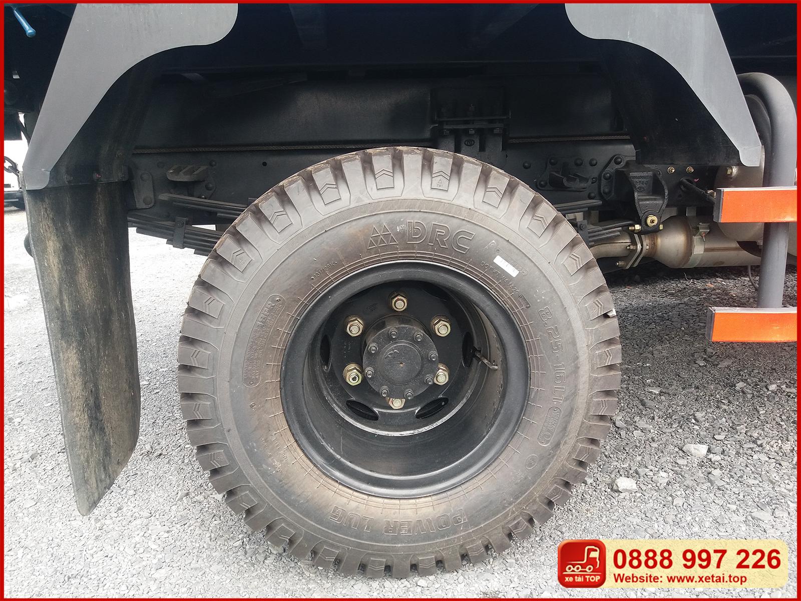 Lốp sau xe ben Thaco FD500