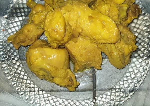 Ayam bumbu kuning