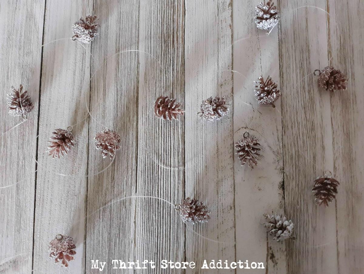 15 minute mini pinecone garland