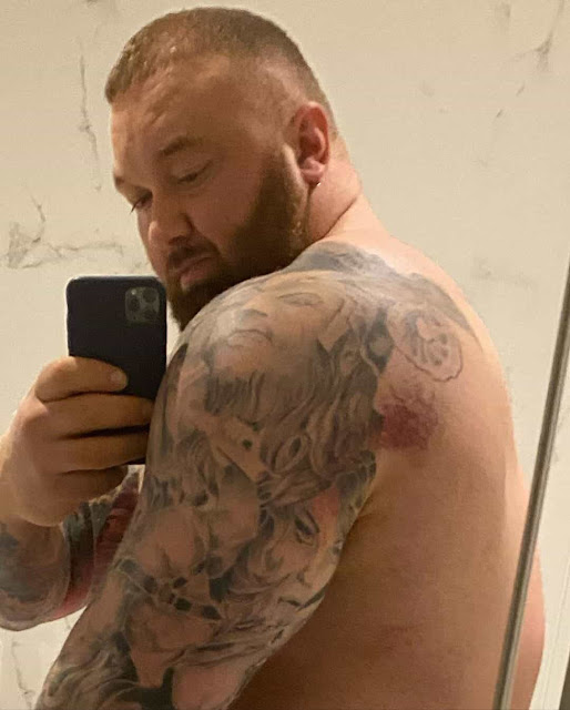 Hafthor Bjornsson Reveals He Previously Torn Lat Just Before World Record 501kg Deadlift