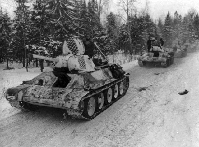 Soviet T-34 tanks in winter camouflage worldwartwo.filminspector.com