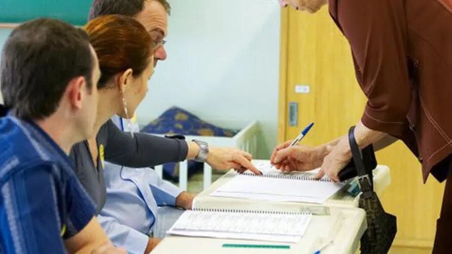 Mesários vão ser convocados via WhatsApp e ligações para Eleição 2020