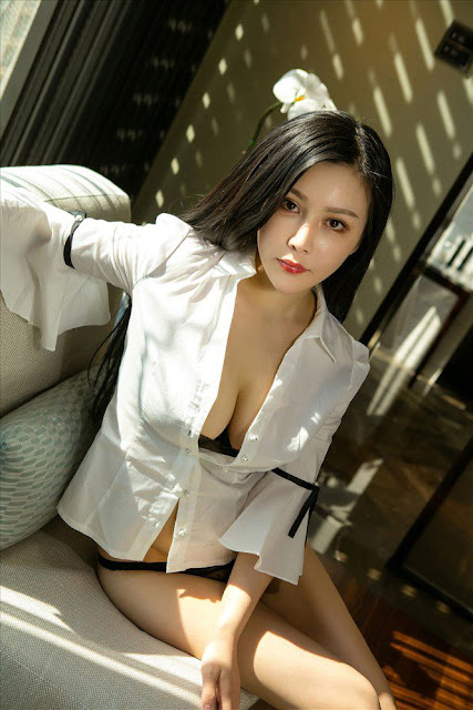 Hot and sexy big boobs photos of beautiful busty asian hottie chick Chinese booty model Shen Nuo Xin photo highlights on Pinays Finest sexy nude photo collection site.