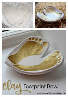 DIY clay footprint bowl /dish keepsake instructions.  A perfect DIY kid made gift created from air drying clay. Use prints from babies, toddlers and preschoolers, or even older children to create this cute footprint craft.