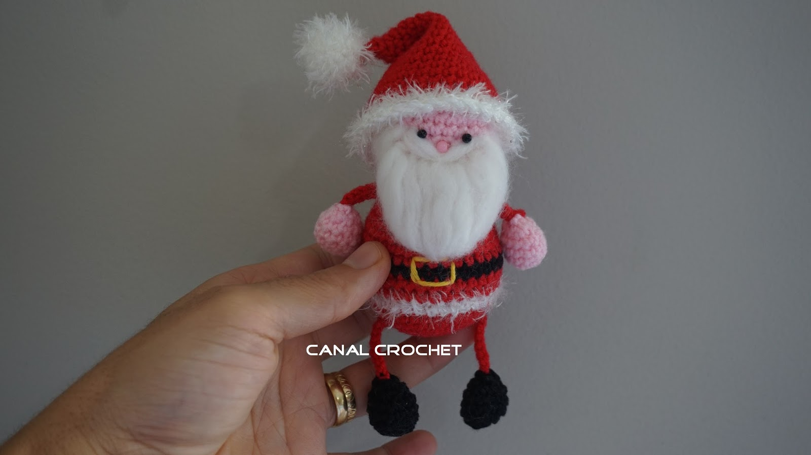 Amigurumi Santa Claus free pattern | The Sun and the Turtle | 898x1600