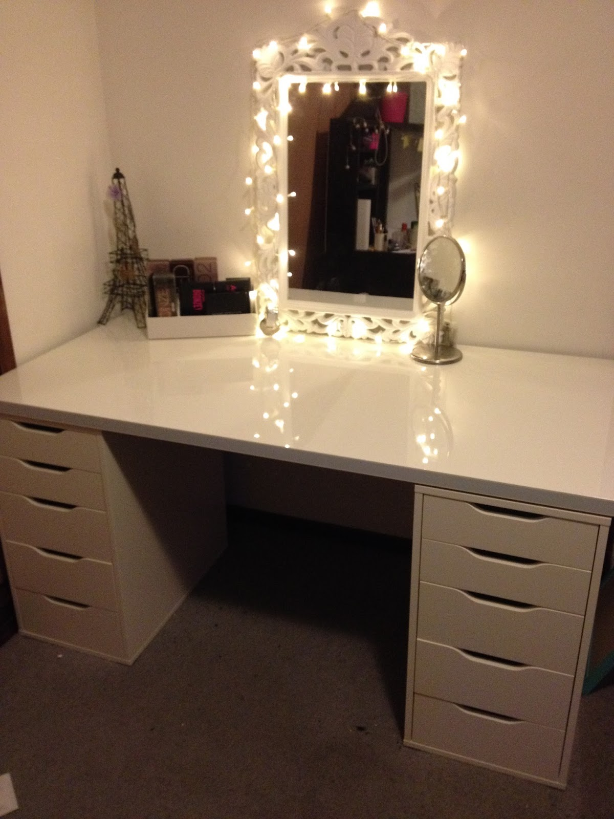 My Vanity Makeup Setup Procrasticaitlan White Broadway Table Top Mirror Turns Ikea