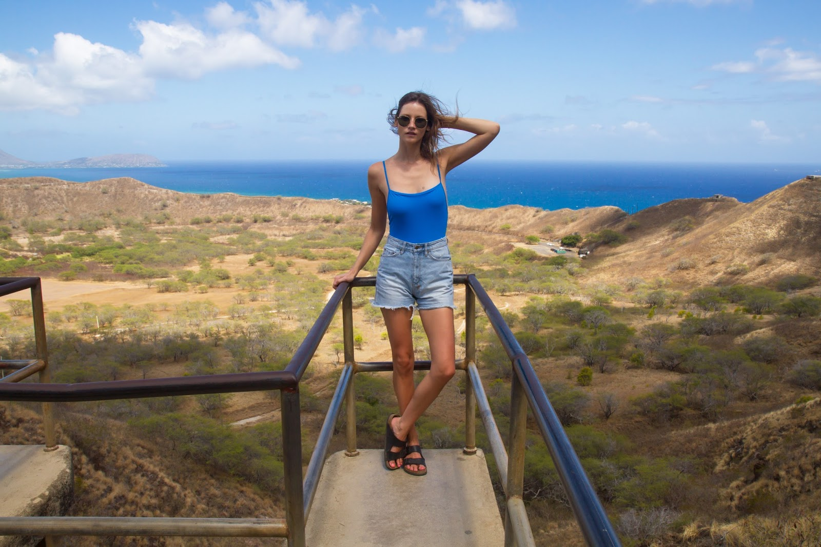 travel blogger, alison hutchinson, at diamond head in hawaii