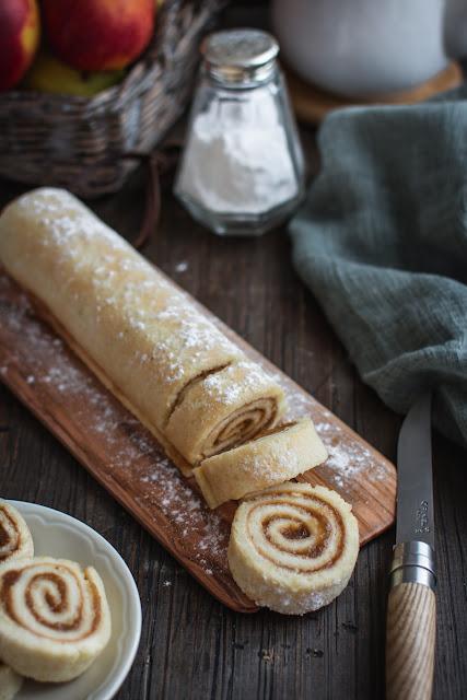 Le biscuit pâte à choux parfait pour roulés et bûches de Noël