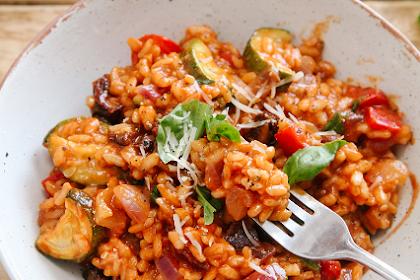 Creamy Tomato & Roasted Veg Risotto (Vegan)