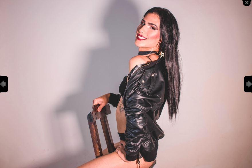 https://pvt.sexy/models/ijl8-charlot/?click_hash=85d139ede911451.25793884&type=member