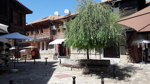Näkymä Nessebarin vanhasta kaupungista.