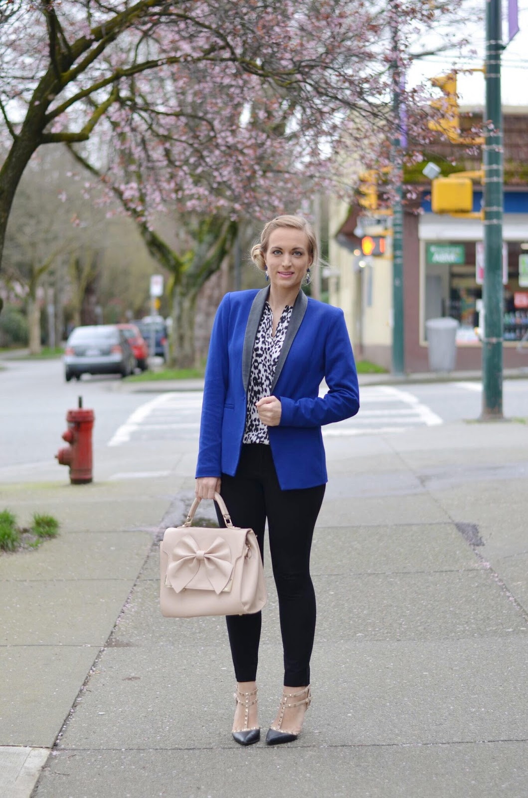 cobalt blue blazer and snow leopard top outfit