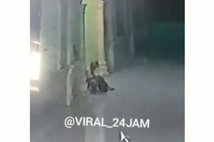 Viral Video Seorang Pria Lempar Kotoran Manusia ke Dalam Masjid