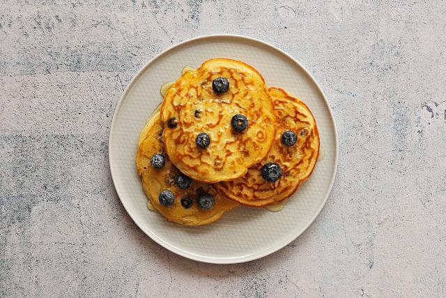 Συνταγή για Ελαφριά Pancakes με Blueberries χωρίς ζάχαρη