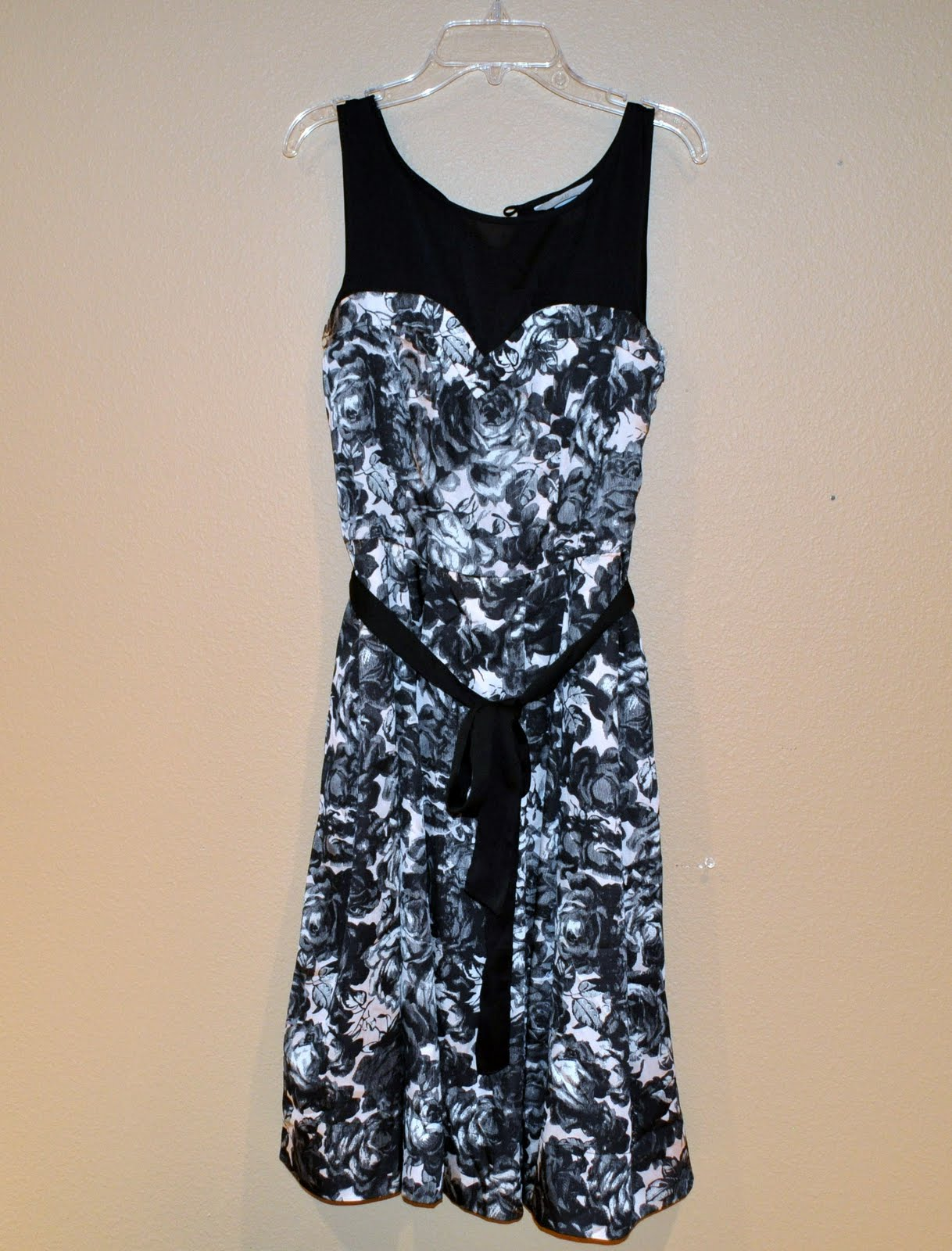 c9a9afeeb7988 Suburbs Mama  Adding Sleeves to Sleeveless Dress