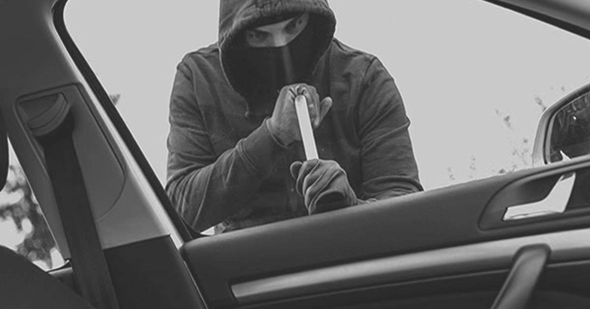 hombre robado un vehiculo
