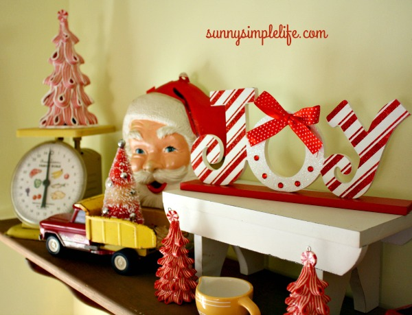 vintage Christmas decor, peppermint, vintage scale, vintage toys