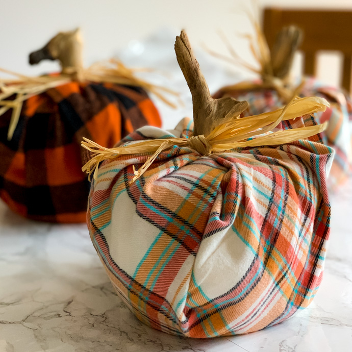Easy plaid pumpkin tutorial using toilet paper rolls