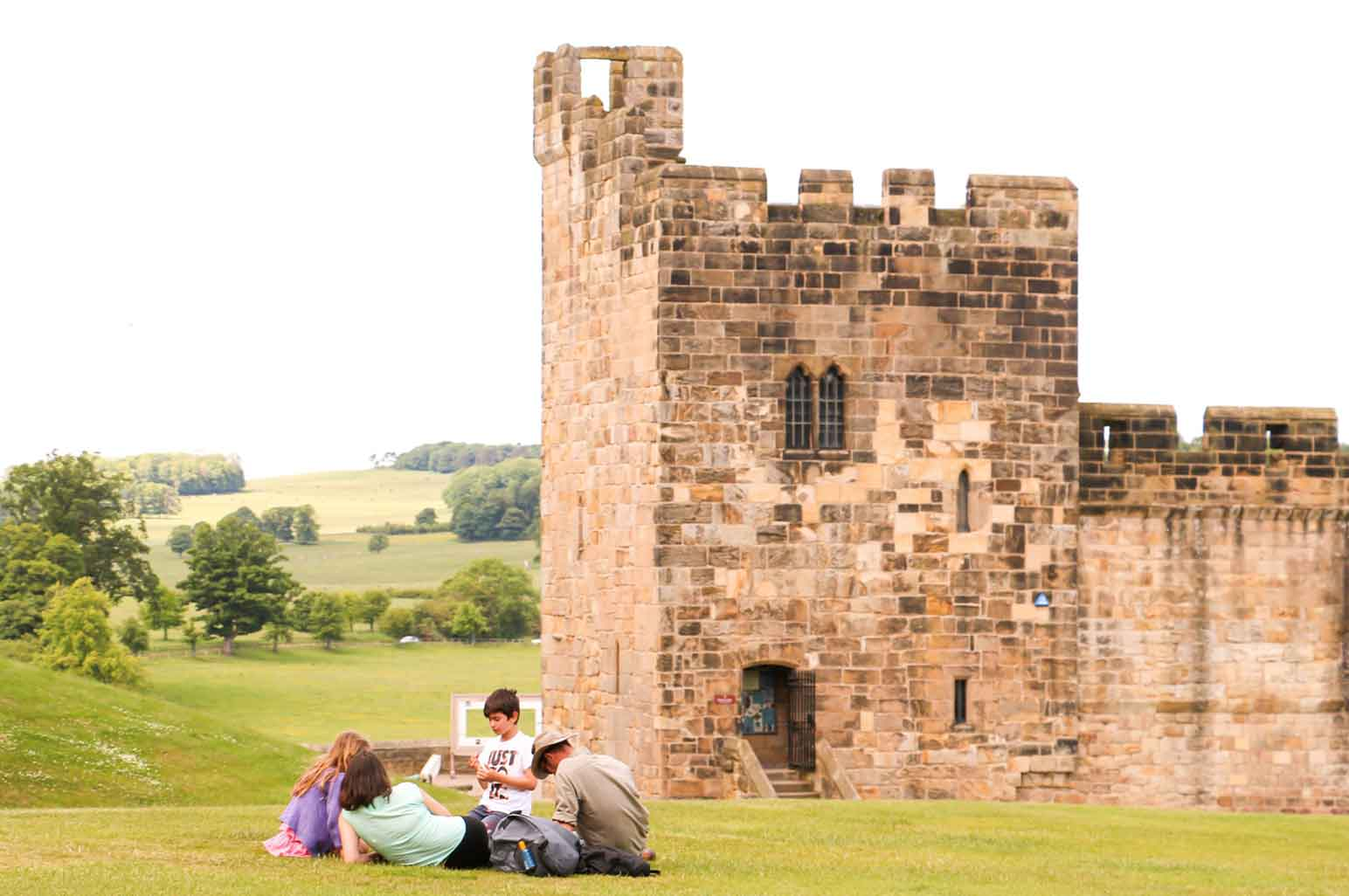9 Harry Potter Destinations You Can Visit In Real Life - Alnwick Castle