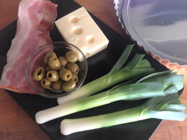 Bacon, Queijo, Azeitonas e Alho-Francês
