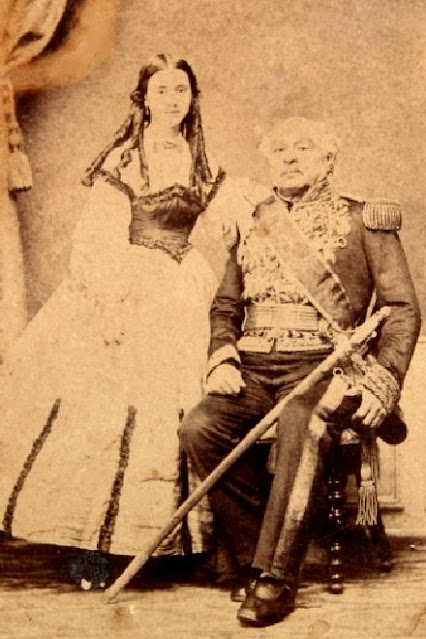 José Antonio Páez con su hija Rosario Páez Ortiz