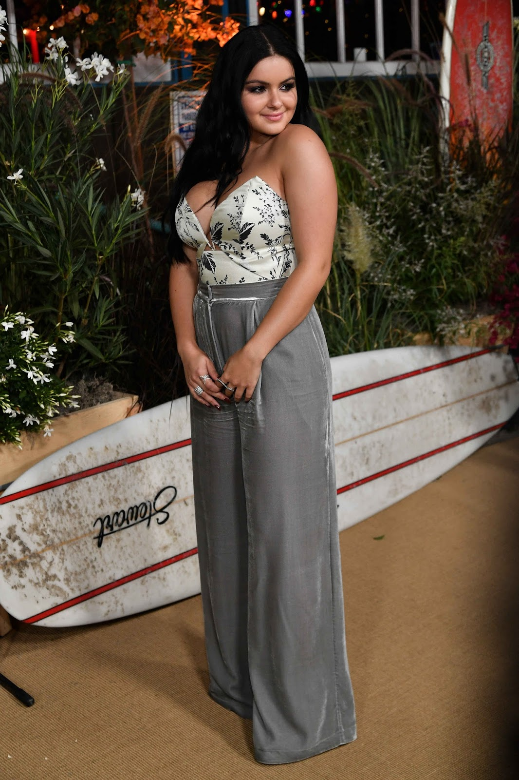 Ariel Winter Posiong at the Teen Vogue Young Hollywood Party