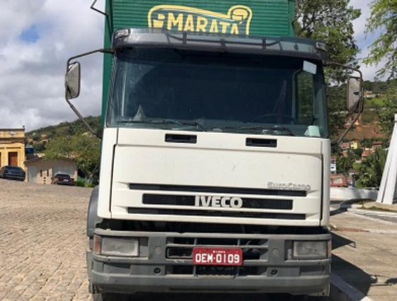 Em Mata Grande, polícia recupera caminhão que teria sido roubado em Pernambuco