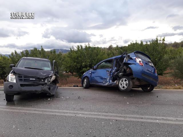 Σφοδρή συγκρουση αυτοκινήτων στην Αργολίδα - Ένας τραυματίας