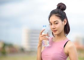 天熱水喝太少「血液濃稠」易血栓!身體5大缺水徵兆快補水