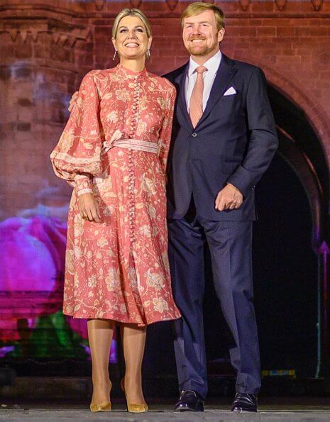 Queen Maxima wore a paisley print linen dress by Zimmermann. Queen Maxima wore Zimmermann Veneto border paisley print linen dress