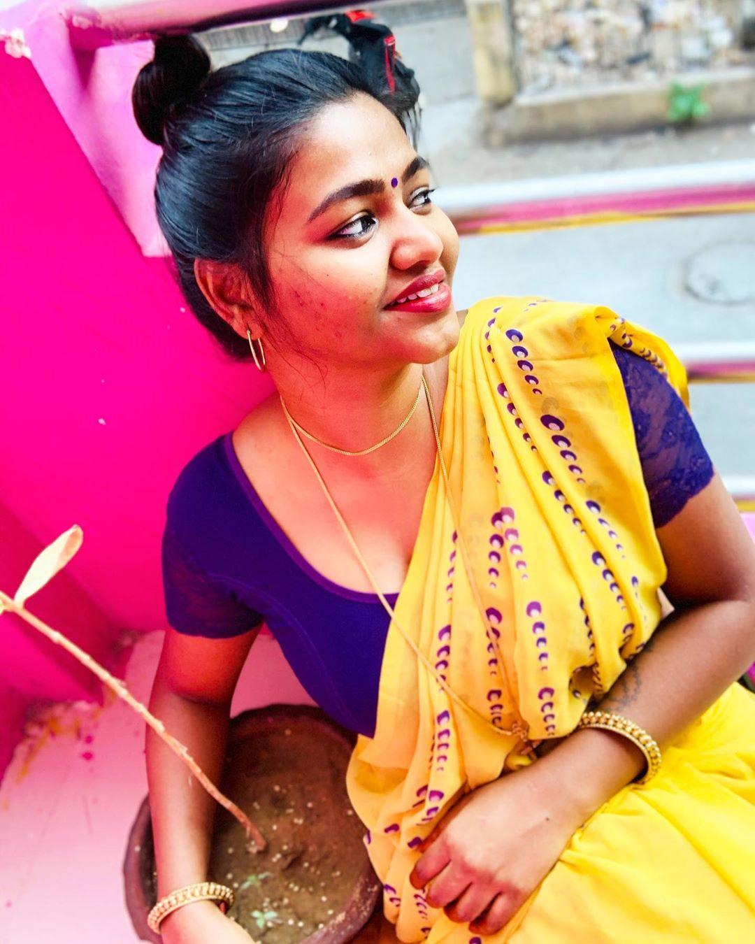 Shalu Shamu Latest Yellow saree photos