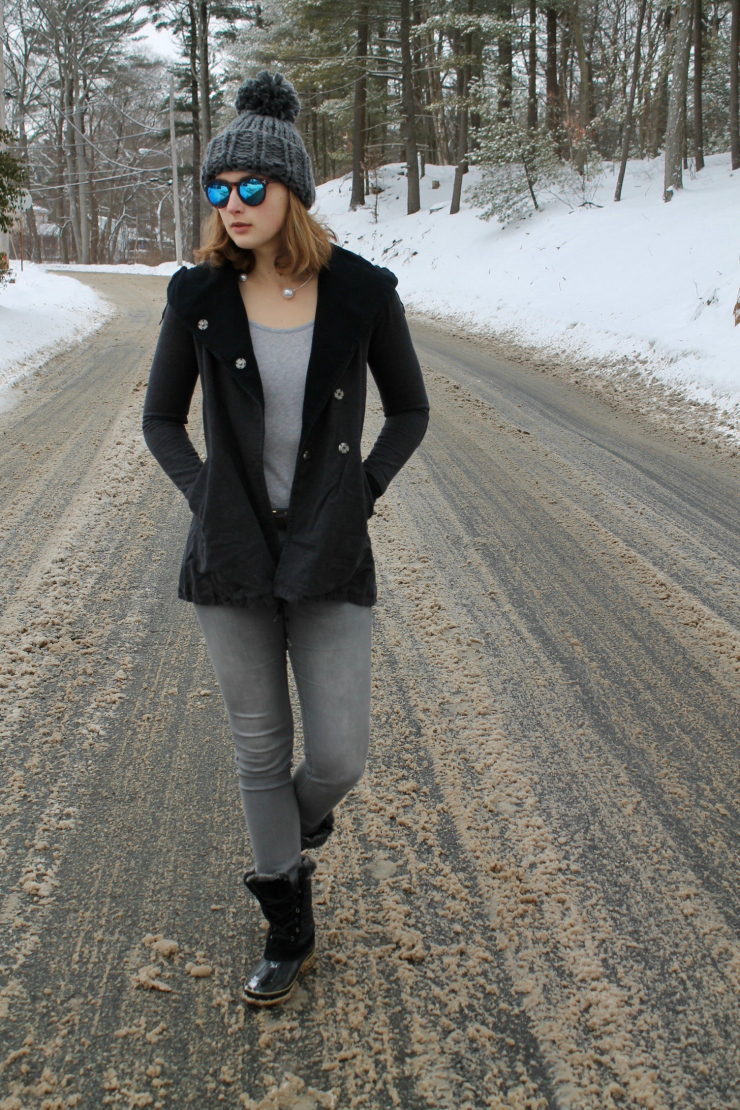 Lululemon yoga jacket, grey pom pom beanie + winter boots #ootd