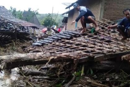 Tanah longsor di Jepara 6 rumah warga rusak