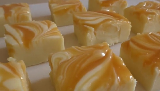 White Chocolate Caramel Fudge #desserts #chocolate