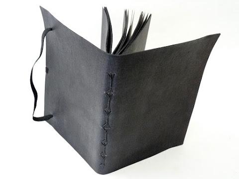 canteiro-de-alfaces-sketchbook-folhas-pretas-elastico
