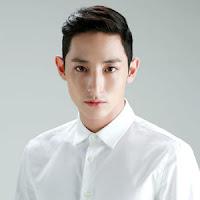 Biodata Lee Soo-Hyuk sebagai Kwon Duk-Bong dalam drama korea man living at my house