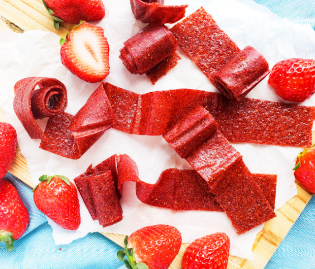 3 Ingredient Fruit Roll-Ups #easy #dessert
