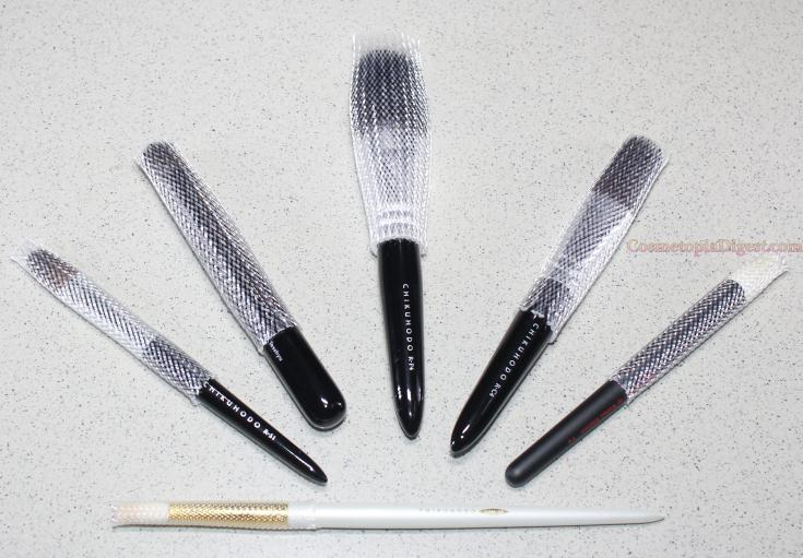 How to use the Brush Guard to protect your makeup brushes
