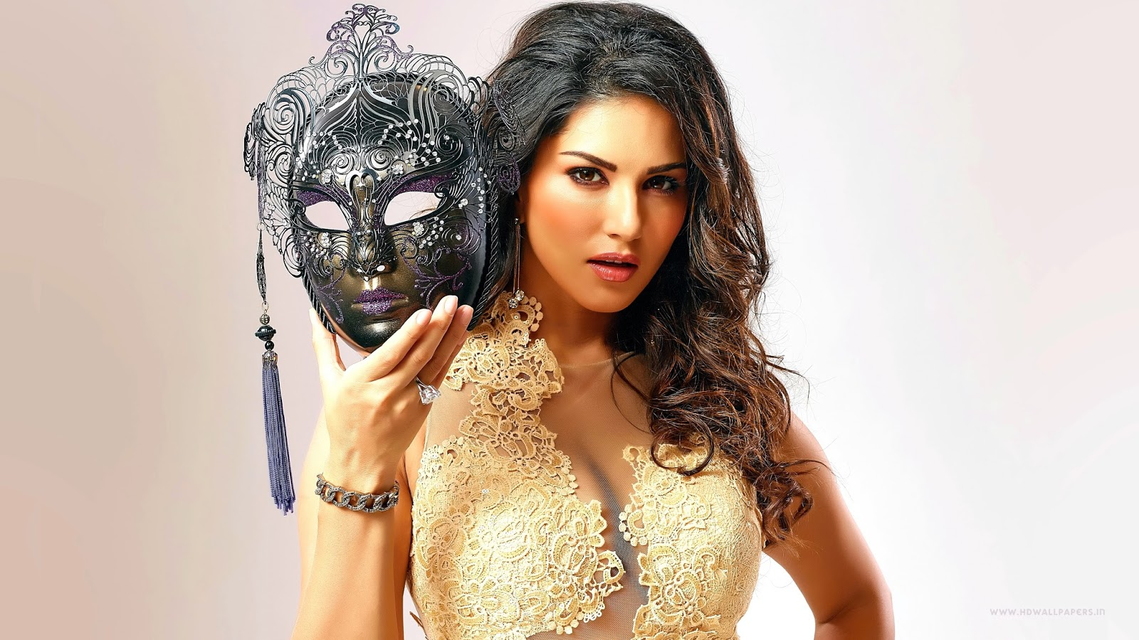 Sunny Leone Sexy 4K Wallpapers  Fun Point Info- All -8363