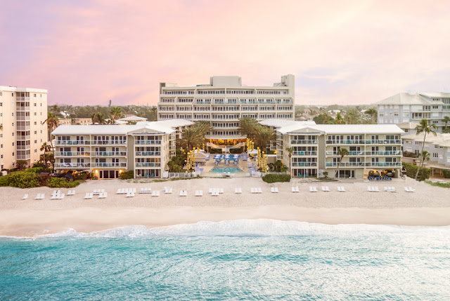 Discover Edgewater Beach, one of the most luxurious Naples hotels, featuring a variety of amenities. Enjoy all the Gulf has to offer at this Naples beach hotel.