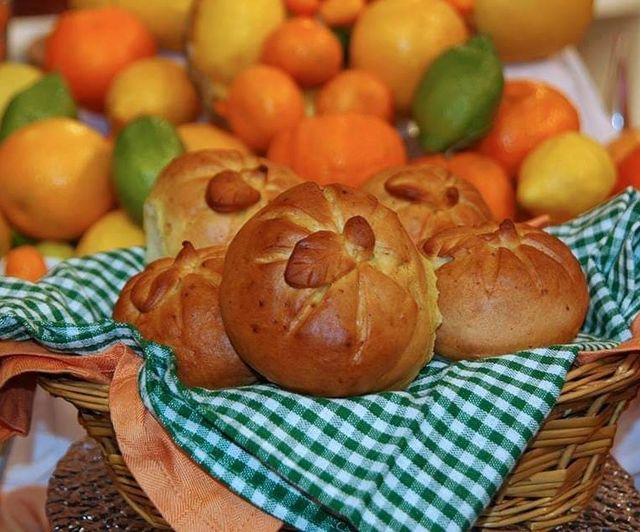 خبز حلو بطعم ونكهة البرتقال
